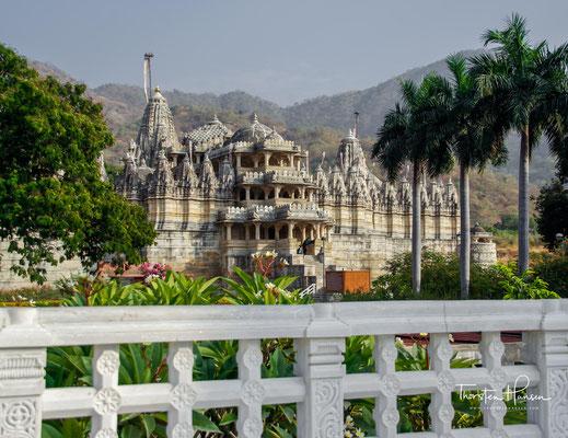 Der Adinath-Tempel von Ranakpur im indischen Bundesstaat Rajasthan ist einer der bedeutendsten Jain-Tempel des Subkontinents.