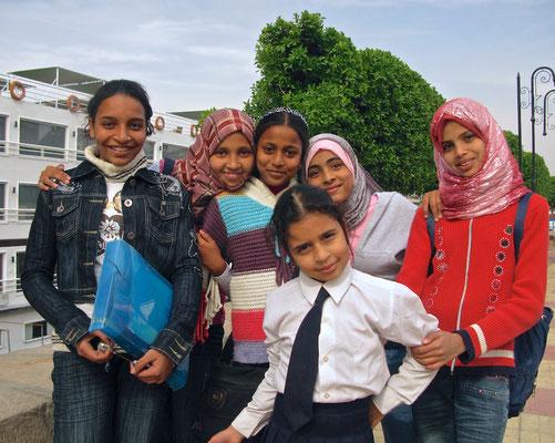 Junge ägyptische Mädchen in Luxor