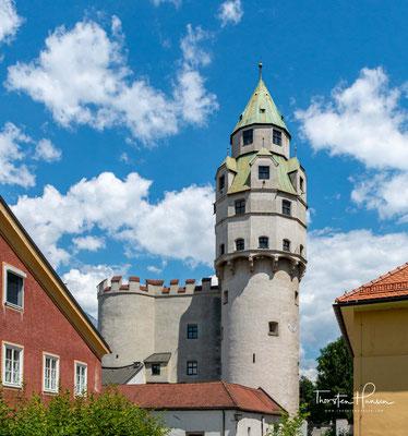 Die Burg Hasegg. Ursprünglich war die Burg ein vorspringendes Eckbauwerk der Stadtbefestigung von Hall.