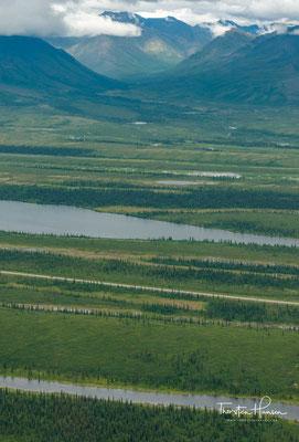 Der Denali bildet den höchsten Gipfel der Alaskakette und liegt im nach ihm benannten Denali-Nationalpark.