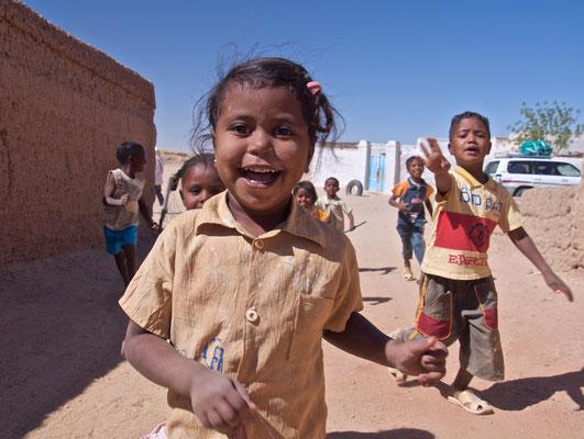 Kinder in El Kurru