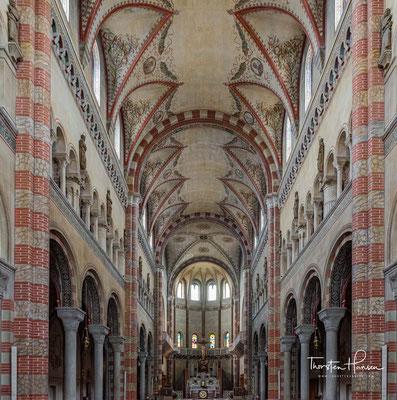 Der majestätische Dom ist der Heiligen Maria Assunta (Mariä Himmelfahrt) gewidmet und geht auf die ersten Jahre des 20. Jahrhunderts zurück.