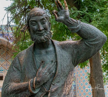 Seine historische Existenz ist nicht gesichert; es wird angenommen, dass er im 13./14. Jahrhundert in Akşehir im südwestlichen Anatolien gelebt hat.[1]
