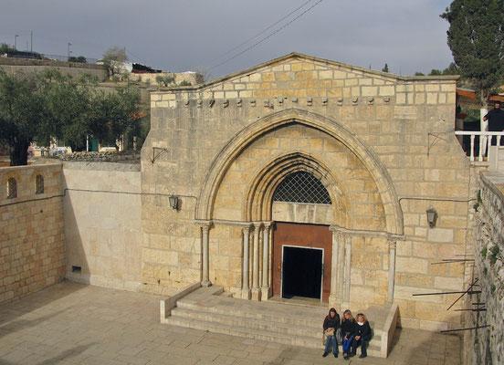 Fassade des Mariengrabs aus dem 12. Jahrhundert
