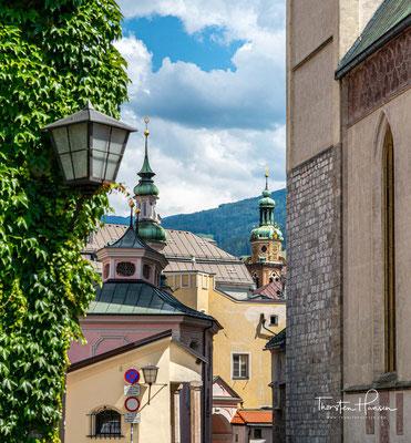 Die Zeiten von Silberprägung und Salzabbau sind vorbei, geblieben ist ein besonders hübsches, gut erhaltenes, historisches Stadtzentrum mit zahlreichen Sehenswürdigkeiten.