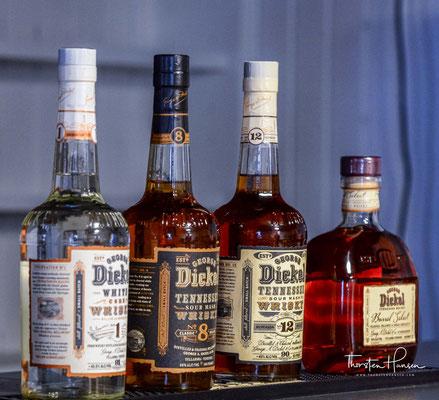George Dickel Whiskey entspricht den Grundbedingungen eines Bourbon Whiskeys. Wie bei diesen besteht die zugrundeliegende Getreidemischung aus mindestens 51 % Mais, Roggen und gemalzener Gerste.