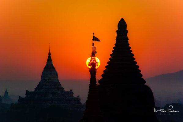 .. die ältesten erhaltenen Malereien Südostasiens, die durch das außerordentlich trockene Klima in Bagan zum Teil hervorragend erhalten sind.