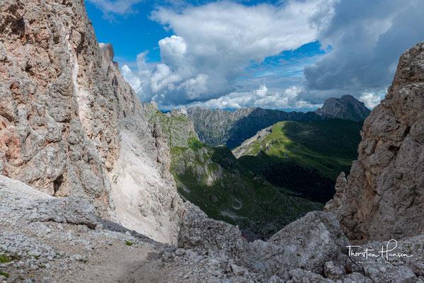 Blick von der Roa-Scharte zu den Gipfeln des Peitlerkofel