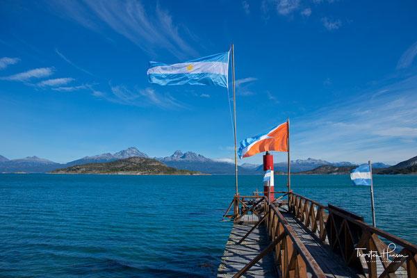 """Die Ensenada-Bucht mit dem """"Postamt vom Ende der Welt"""""""