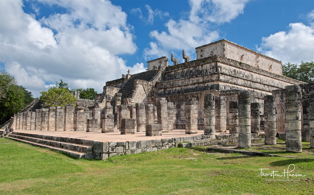 Kriegertempel und Halle der 1000 Säulen in Chichén Itzá