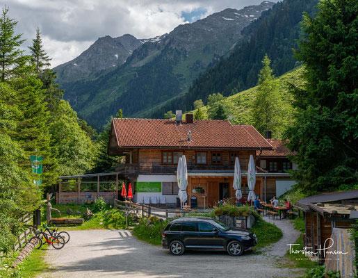 Die Voldertalhütte ist eine Schutzhütte der Naturfreunde und ist unbedingt zu empfehlen.