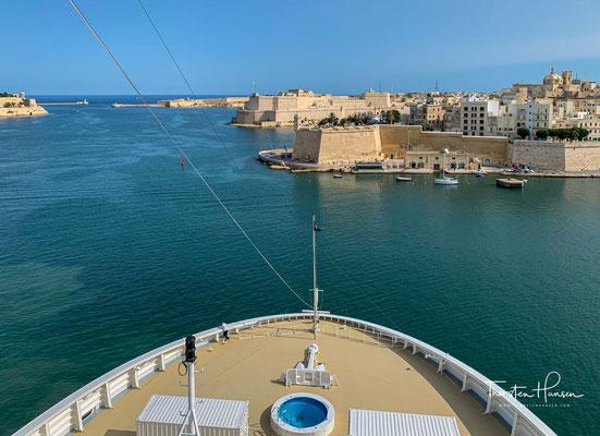 Die MSC Magnifica im Hafen von Valetta auf Malta