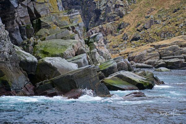 Zwischen dem 15. Juni und dem 15. August, ist es verboten, die größte Insel zu betreten; den Storestappan, dessen höchster Punkt 283 m.ü.M. liegt.
