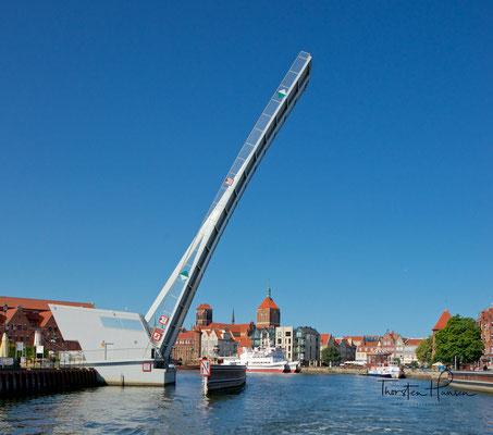 Die moderne Wartka Brücke in Danzig
