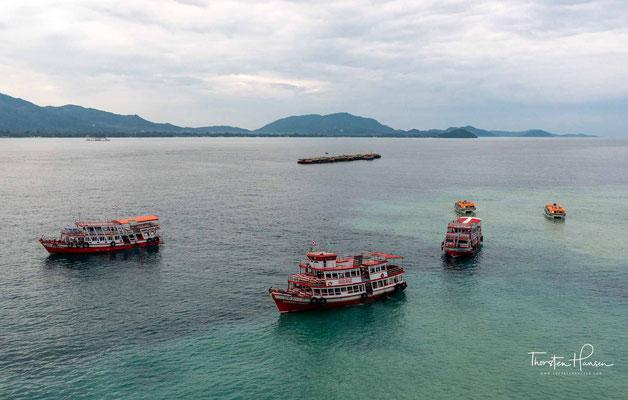 Ankunft im Hafen von Ko Samui - Mit 233 km² Fläche ist Ko Samui, nach Ko Phuket und Koh Chang die drittgrößte Insel Thailands.