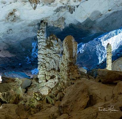 Alle diese Szenen wurden in der Grotte scheinbar versteinert.