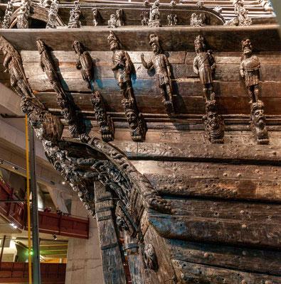 Die Vasa war Bestandteil einer größeren Bestellung über zwei große und zwei kleine Schiffe. Das erste große Schiff war die Tre Kronor (Drei Kronen).