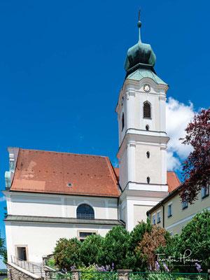 Die Klosterkirche St. Felix (Wallfahrtskirche St. Felix) der Franziskaner-Minoriten. Die 1710 nach Neustadt berufenen Kapuziner erwählten den hl. Felix von Cantalice zu ihrem Schutzpatron und machten ihn dadurch in Neustadt und Umgebung bekannt.