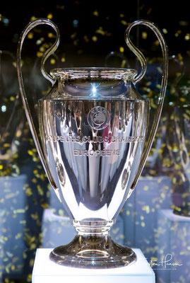 ist einer der berühmtesten Fußballvereine der Welt. Mit 13 Erfolgen im Europapokal der Landesmeister bzw. der UEFA Champions League sowie zwei UEFA-Pokal-Siegen ist der spanische Rekordmeister der erfolgreichste Verein Europas