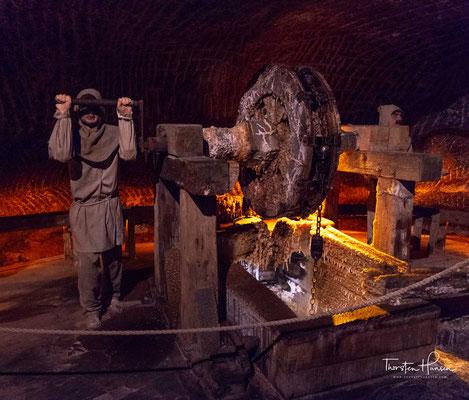 Aus den Einnahmen des Salzhandels, der während seiner Blüte vom 14. bis ins 16. Jahrhundert ein Drittel der Staatseinnahmen erwirtschaftete, wurden unter anderem die Kosten für den Bau des Wawels,