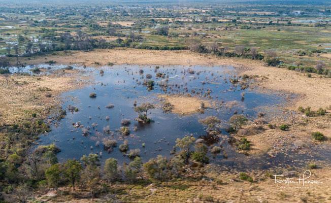 Seit 2014 gehört das Okavangodelta zum UNESCO-Welterbe. Eine Erweiterung um Gebiete Namibias steht seit Ende Oktober 2016 auf der Tentativliste von Namibia.