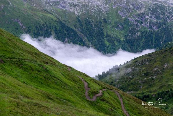 Das Tal von HinterTux im Nebel