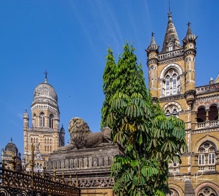 """Die Art-déco-Gebäude in Mumbai gelten als die """"größte zusammenhängende Ansammlung von Art-déco-Bauten östlich von Sues""""."""