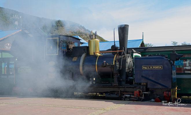Lokomotive Porta, die erste mit Dampf betriebene Lokomotive auf dieser Bahnstrecke, die auch gänzlich in Argentinien im Jahre 1994 erbaut wurde.