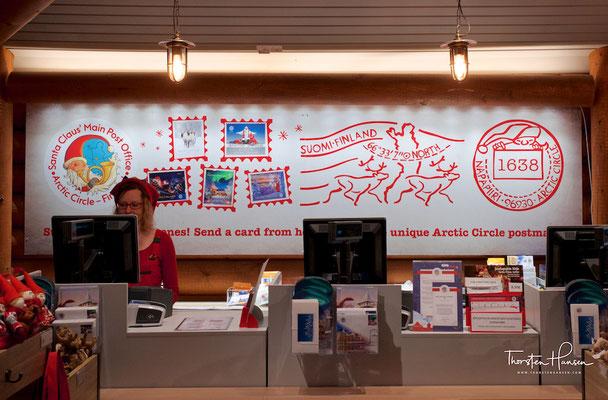 """Angeschlossen ist ein """"Weihnachtsmann-Postamt"""", das Briefe von Kindern aus aller Welt an den Weihnachtsmann bearbeitet und beantwortet."""