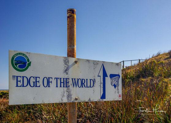 """Hinterm Horizont liegt Südamerika: Ein Holzplankenweg führt zum Aussichtspunkt """"Edge of the World"""" in Arthur River."""