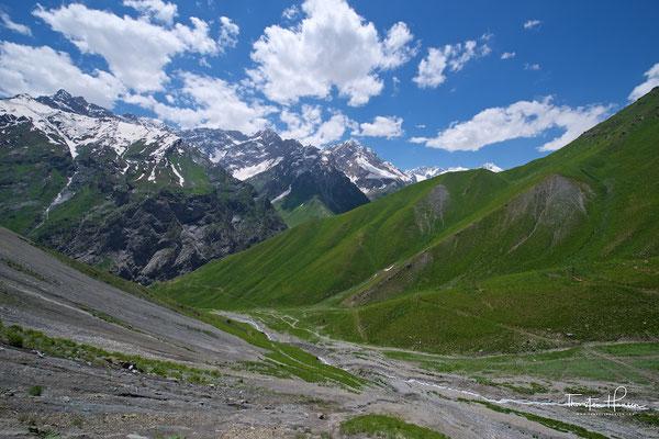 Entlang der Serafschanbergkette nach Aini