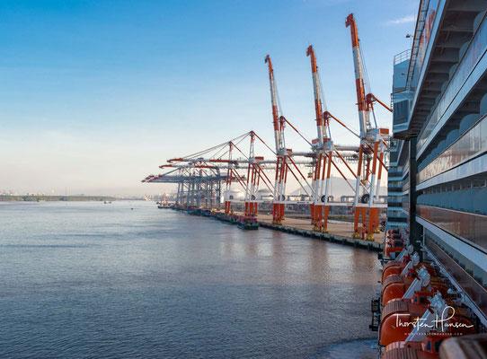 Die Westerdam ist ein 2004 in Dienst gestelltes Kreuzfahrtschiff der Reederei Holland-America Line.