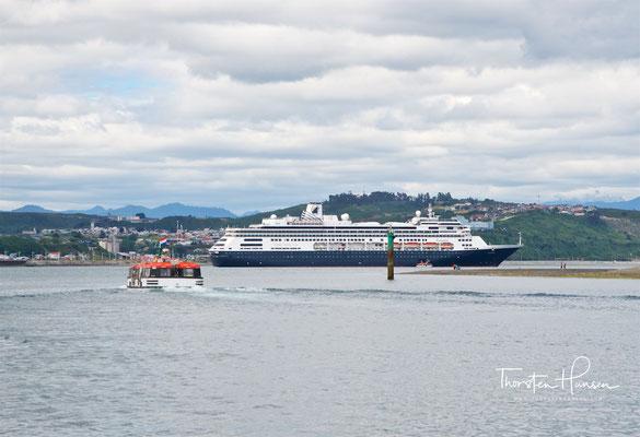 Die MS Zaandam im Hafen von Puerto Montt