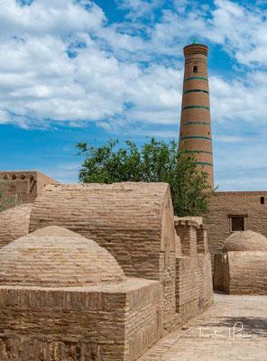 Das Mausoleum Said Ala ad-Din ist eines der ältesten erhaltenen Bauwerke und Heiligtümer Chiwas. Said Ala ad-Din war choresmischer Scheich und starb 1303. Das Mausoleum ist ein schlichter Kuppelbau, der vertieft in die Erde eingearbeitet wurde.