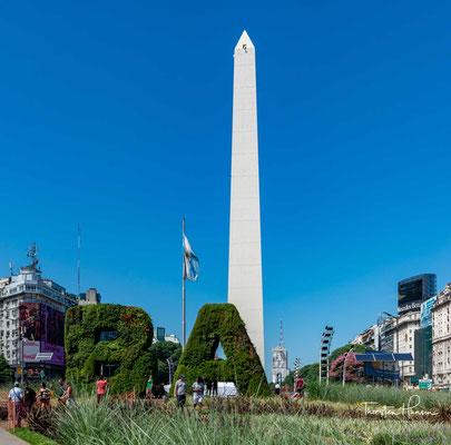 Der Obelisk von Buenos Aires ist ein 1936 gebautes 67 Meter hohes Denkmal in der Stadt Buenos Aires.  Der Obelisk wurde im Mai 1936 anlässlich des 400-jährigen Stadtgründungsjubiläums errichtet.