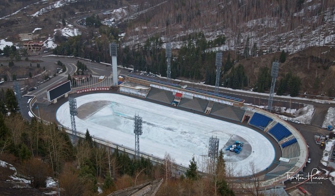 Die Eisschnelllauf- und Bandybahn in Medeo