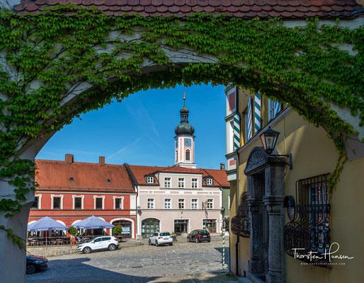 Die Stadtpfarrkirche Mariä Himmelfahrt ist eine katholische Pfarrkirche in der Stadt Furth im Wald im Landkreis Cham.