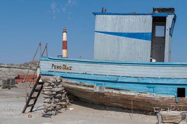 grenzt direkt an die Lüderitzbucht. Die Diaz-Spitze ragt rund 50 m in den Südatlantik.