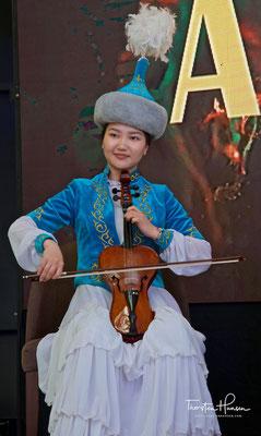 Kasachische Musikerin