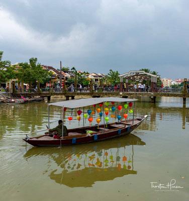 Als der Außenhandel in Japan 1635 endgültig verboten wurde, veränderte sich die Bedeutung des Hafens erneut. Zu dieser Zeit wurden europäische Handelsniederlassungen in Hội An gegründet: