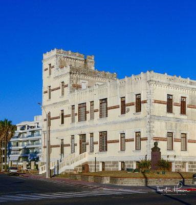 Piriápolis wurde 1893 durch Francisco Piria gegründet. Das erste Gebäude war ein Schloss, erbaut im Jahre 1897, nach einem Vorbild an der italienischen Riviera.