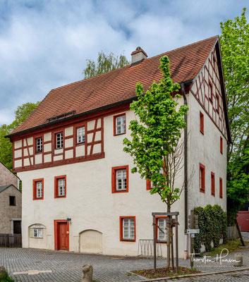 Das Gerberhaus von 1780 in Marktredwitz. Im Erdgeschoss befanden sich Milchgruben und die Fleischbänke der Dörflaser Metzger.
