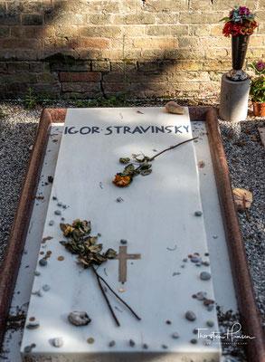 Beerdigt in einer eigenen Abteilung des Friedhofs sind hier u.a. die Komponisten Ermanno Wolf-Ferrari, Luigi Nono und Igor Stravinsky