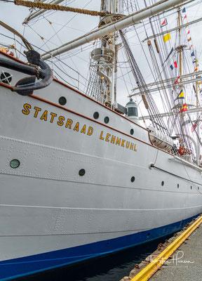 """Nach Ausrüstung für eine mehrmonatige Fahrt ging das Schiff an die Bergens Skolskib Stiftelsen (""""Bergener Schulschiffstiftung""""), die sie bis 1966 als Schulschiff betrieb."""