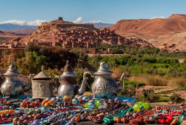 Aït Benhaddou ist eine befestigte Stadt (ksar) am Fuße des Hohen Atlas im Südosten Marokkos. Der komplette alte Ortskern ist seit dem Jahr 1987 von der UNESCO als Weltkulturerbe anerkannt.