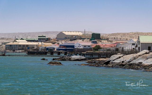 Der erste Europäer war allerdings der portugiesische Seefahrer Bartholomeu Diaz, welcher im Jahre 1487 in der Großen Bucht landete.