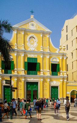 Saint Dominic's Church (portugiesisch: Igreja de São Domingos; chinesisch: 板 板 樟) ist eine Barockkirche aus dem späten 16. Jahrhundert, die in der Kathedralengemeinde der römisch-katholischen Diözese Macau dient