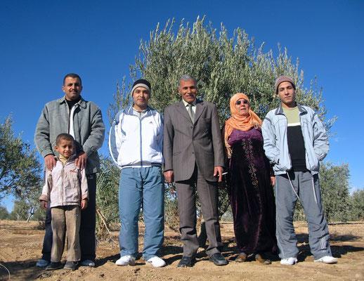 Gruppenfotos mit der Familie al-Hassans