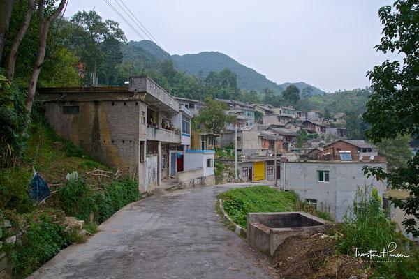 Dorf bei der Longgong Höhle