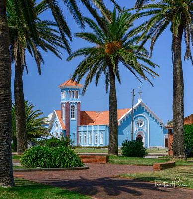 Die Kirche Unserer Lieben Frau von Candelaria ist eine römisch-katholische Pfarrkirche in Punta del Este, Uruguay. Die Gemeinde wurde am 1. Februar 1948 gegründet. Der erste Tempel wurde 1911 erbaut. Das heutige Gebäude stammt aus der Mitte des 20. Jh.